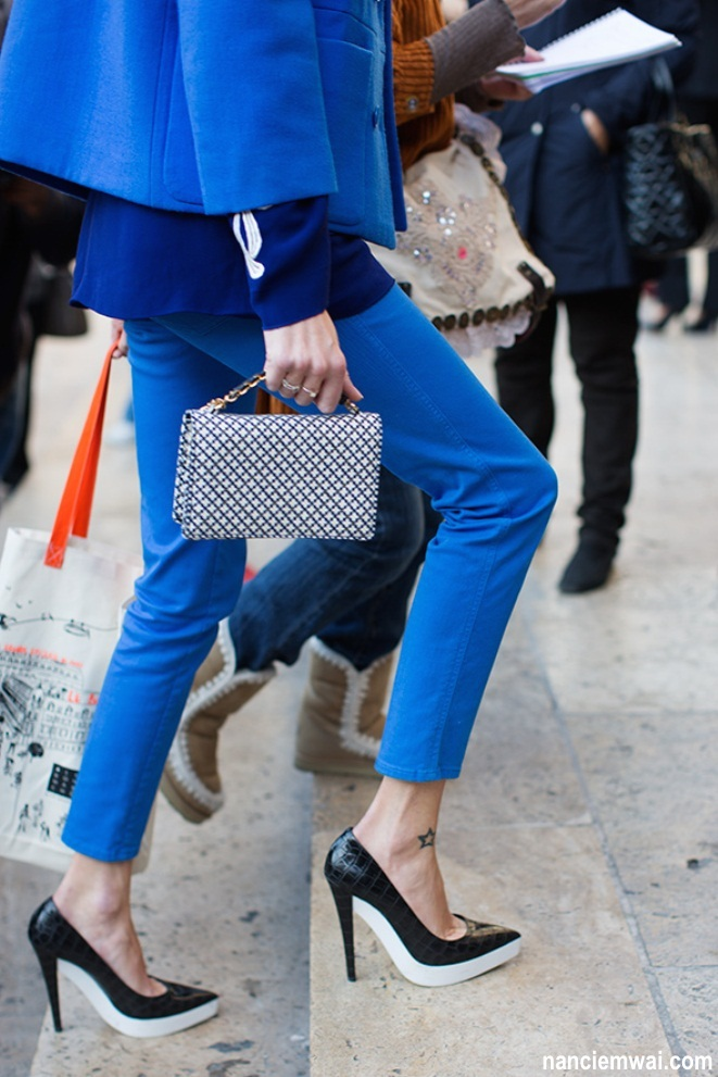 colour-of-the-week-cobalt-blue-street-style-fashion-notebook-7