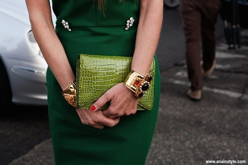 emerald green_tube_dress-street style