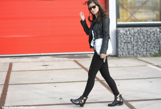 Outfit buckle boots balenciaga look a like+streetstyle+inspiration+trend